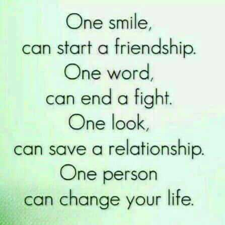 📹30 సెకండ్స్ వీడియోస్ - One smile , can start a friendship . One word , can end a fight . One look , can save a relationship . One person can change your life .  - ShareChat